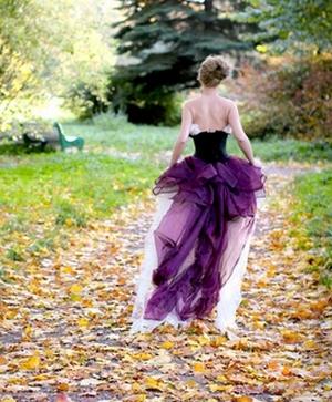 c180b433de Ha a ruha Önhöz tartozik - az egészsége romlik, esetleg orvoshoz kell  fordulnia. Ha a hosszú ruha a barátnődnek, anyádnak, nővérének tartozik ...